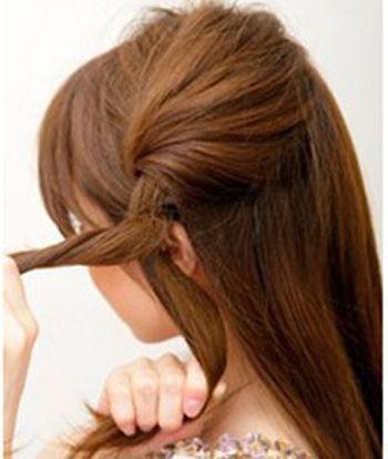 学生黑色中长直发的怎么梳 直发适合戴什么样的发箍