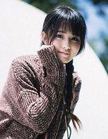 直刘海长头发女生怎么扎头发 直刘海简单扎头发的技巧
