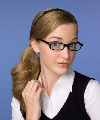 长脸戴眼镜适合的发型 什么发型最适合长脸型的人