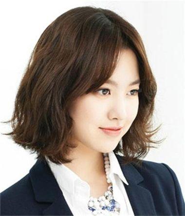 丽君脸型适合的发型图片 最流行的脸型发型[流行发型]-中分适合什么