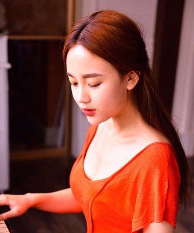 韩式最简单直发怎么扎好看 直发怎样扎出清新自然的感觉