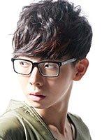 戴大框眼镜发型男生男发型发蜡丸子不用初中生怎么样梳学生头图片