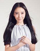 2016黑色中分直发发型 黑色长直发稀薄刘海发型