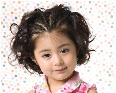 超短发4岁头发扎发图解 小女孩超短头发扎法图解