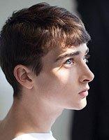 男的什么发型最流行 男生鲨鱼头发型(4)图片