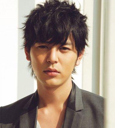 男士方脸短头发怎么整起来成熟 日本男生超短发发型