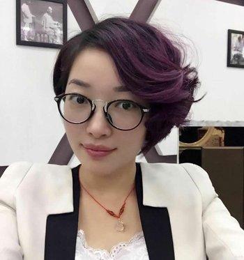 发型热点 > 成熟女人适合发型 >   中年职业女性短发都有哪些好看的设