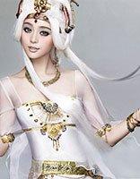 走进二次元女生世界 看明星如何玩cosplay长发发型