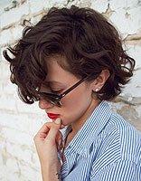 中年妇女长脸型适合什么样的短发 中年女式短发造型图片