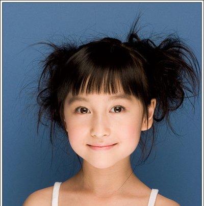 夏天给短头发的幼儿怎样扎头发 夏天儿童短发扎头发的方法图片