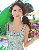 2016时尚小清新风泳装发型 做清凉性感海边精灵