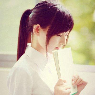 秋季校园女生清纯甜美发型 阳光靓丽迎接开学季
