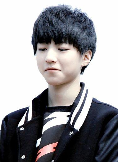 帅气男生刘海发型 男韩式刘海烫发发型