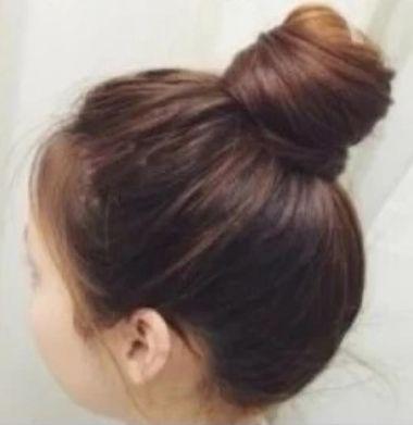 小编介绍一款简单的包包头扎发设计,一学就会的学生复古包包头发型图片