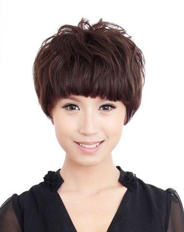 长脸适合剪什么短发 中年长脸女士适合什么短发