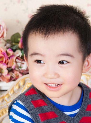 男宝宝头发怎么样好看