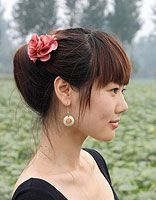 女士简单盘发鸟窝头 最简单的鸟窝头
