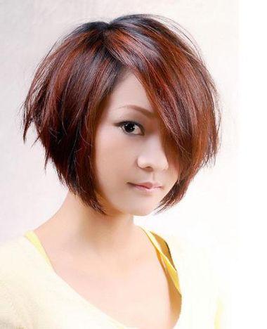 发型热点 > 沙宣发型图片 >   女生梳沙宣短发纹理烫发型好看吗?图片