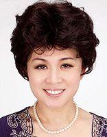 中年圆脸短发发型图片 中年女士适合的减龄短发