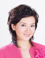 圆脸中年女性适合剪的短发 圆脸适合的中年短发
