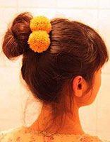 蓬松丸子发型扎法 蓬松丸子发型