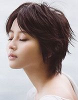 初中女生圆脸女孩短发发型 女生圆脸短发发型设计图片