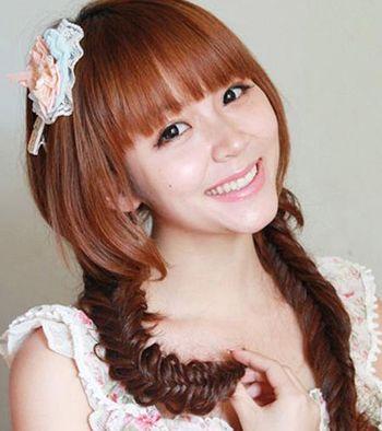 方圆脸齐刘海长头发怎么扎头发好看 长方脸免费扎头发的方法