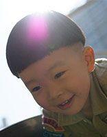 小男孩子好看的发型 阳光小男孩发型