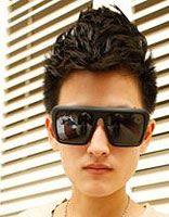 14岁男生齐刘海发型 14岁男孩公鸡头发型图片