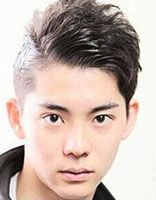 男生斜刘海短发发型 初中男生好看的斜刘海短发发型