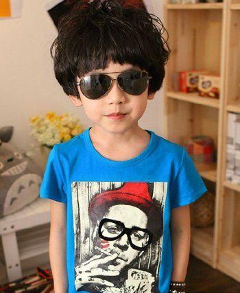 女孩子的发型多种多样,小男孩的发型既要体现儿童可爱的一面又要表现图片