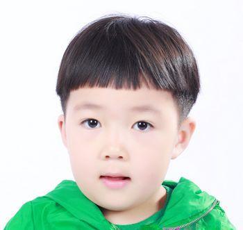 发型设计图片 >   天真可爱的儿童短发造型都有哪些