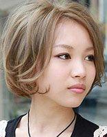 大脸女孩适合哪种发型 大脸女生可爱短发发型