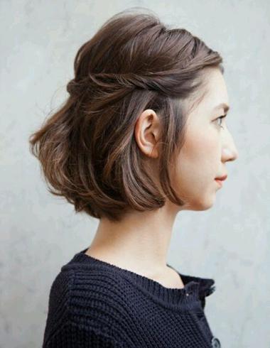 超短发扎辫子方法 好看的短发扎发
