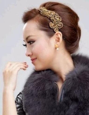 优雅中年女性盘发 妈妈们适合的盘发图片