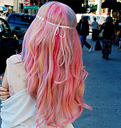 很cool的彩虹色发色
