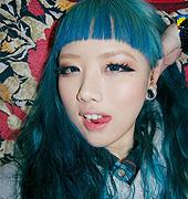 很漂亮蓝色发色