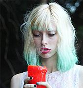 绿色染发很漂亮