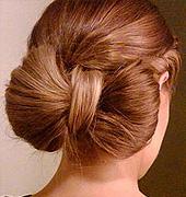 非常细致的蝴蝶结美发