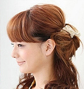 清爽又时尚的花苞头发型