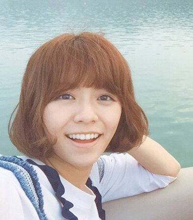 宋芸桦辣妹发型选梨花 烫短发这样做最美观