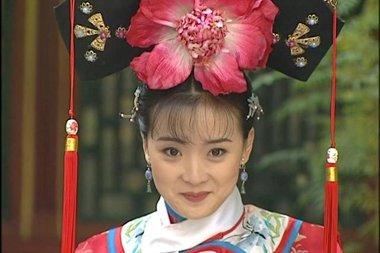 还珠格格她是配角却嫁得好 回顾女神王艳的古装发型