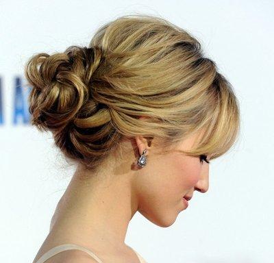中年女人长头发的盘发 长头发怎样盘简单好看