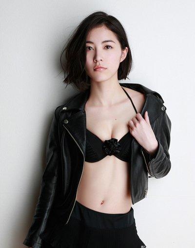 日本短发偏分发型 2017精典短发型
