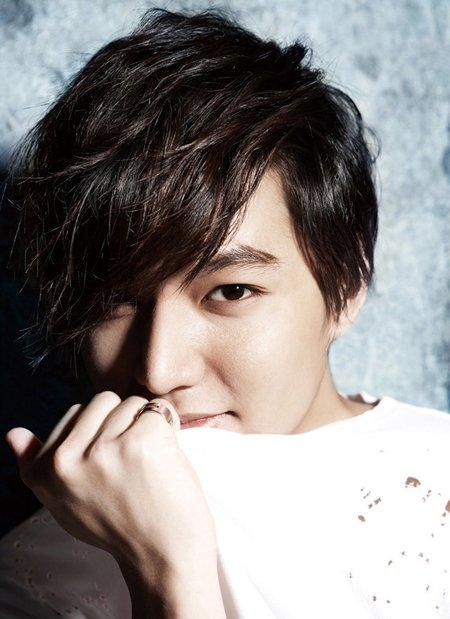 男生韩版发型怎么搞 韩国最流行的发型男士图片