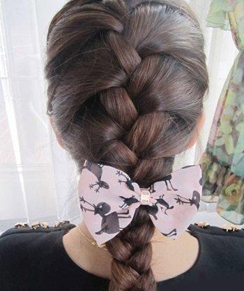长发韩国式蜈蚣辫 韩国蜈蚣辫的绑发方法