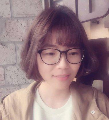 2017秋季女生烫头发有哪些发型适合戴眼镜 2017年秋季女生发型