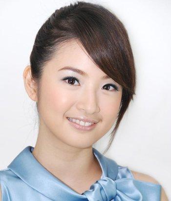 人矮脸圆怎么设计发型 圆脸女生搭配刘海发型