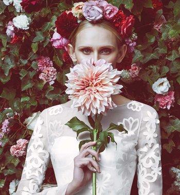 冬天白纱新娘妆发型图片 冬天新娘服装发型