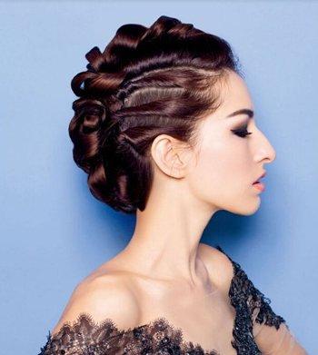 晚礼服发型步骤详解 晚礼服发型图片